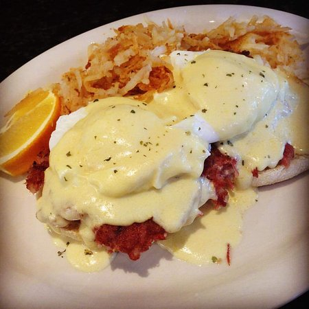 Upton, Μασαχουσέτη: Irish Benedict on homemade corned beef hash