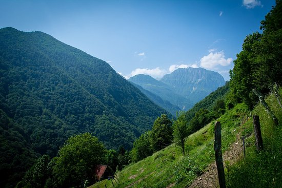Vistas de las montañas desde Tolmin