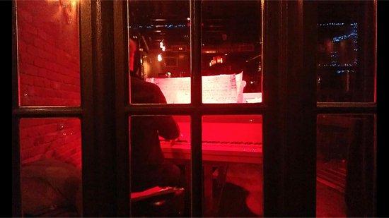 Le Piano Rouge : visto da fuori