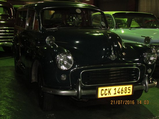 George, Sør-Afrika: Lovely Morris Minor specimen from the car section