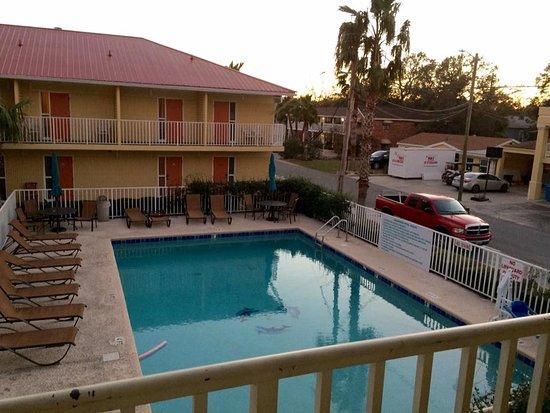 Dunes Inn & Suites: Room view