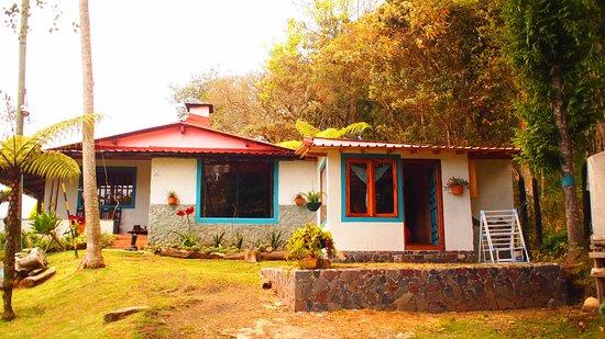 Santa Elena, Colombia: entrada principal del hostal casa de campo