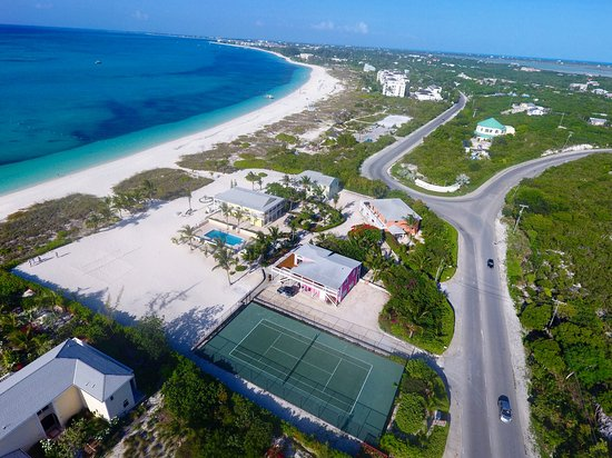 Aquamarine Beach Houses: Grace Bay