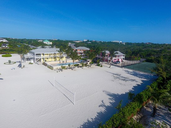 Aquamarine Beach Houses: Beach Volleyball
