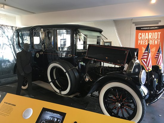 ‪‪Staunton‬, فيرجينيا: President Wison's Pierce Arrow limousine.‬
