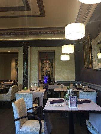 hotel de l 39 univers reims centre erlon est restaurant avis num ro de t l phone photos. Black Bedroom Furniture Sets. Home Design Ideas
