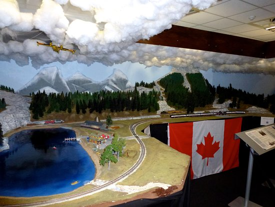 Wonderful World of Trains and Planes: Just one of many layouts