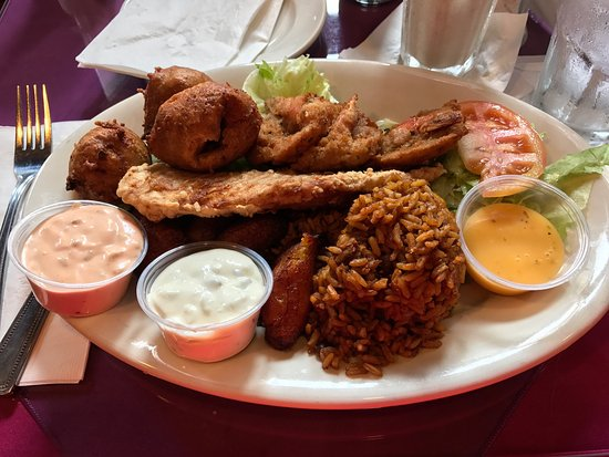 Cuzzin's Caribbean Restaurant and Bar: Seafood combo