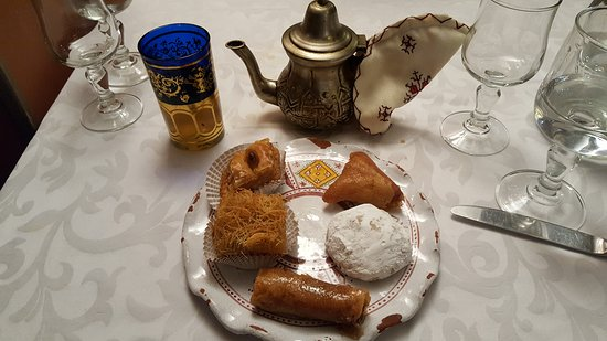 La Pastilla Au Poulet Picture Of La Table Marocaine Istres Tripadvisor