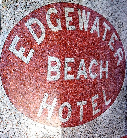 Marriott Vacation Club Pulse, South Beach: THE SIDEWALK IN FRONT OF THE HOTEL