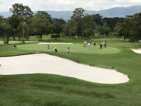 Club Campestre Bucaramanga: Muito verde e tranquilidade