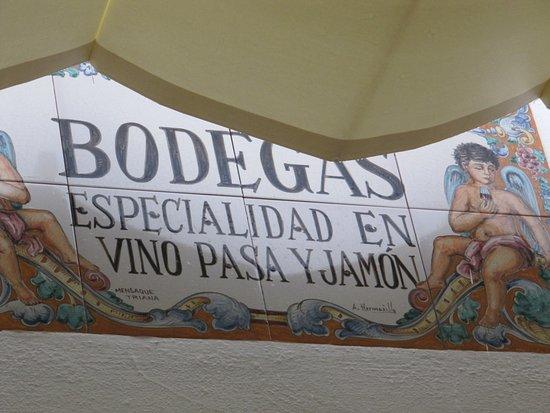 Castilleja de la Cuesta, España: DETALLE DE LA FACHADA