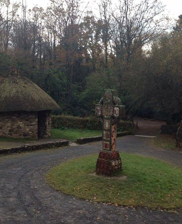 County Wexford, ไอร์แลนด์: Cross in 'early Christian' section