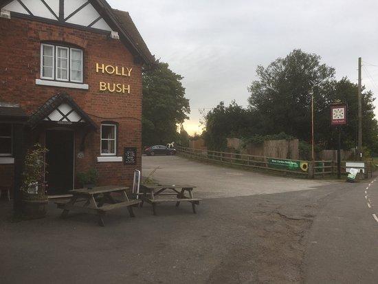 Holly Bush Inn: photo0.jpg