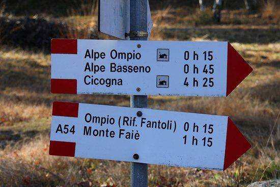 San Bernardino Verbano, Italia: Rifugio Fantoli indicazioni