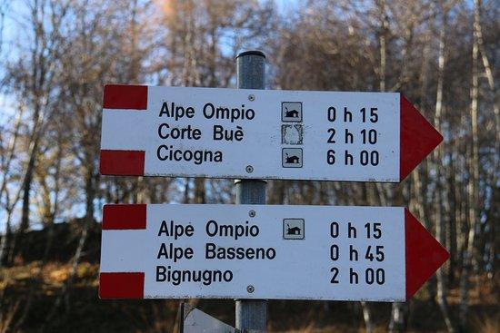 San Bernardino Verbano, Italia: Rifugio Fantoli, indicazioni