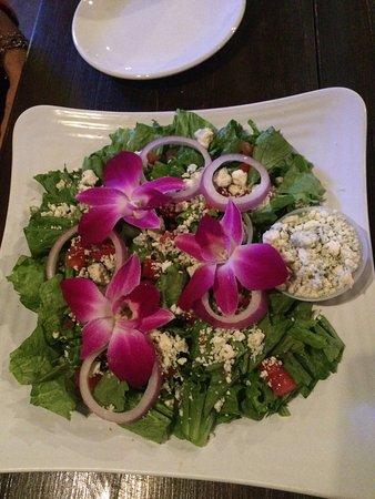 อัลไพน์, เท็กซัส: Blue cheese & edible orchid salad, really excellent!