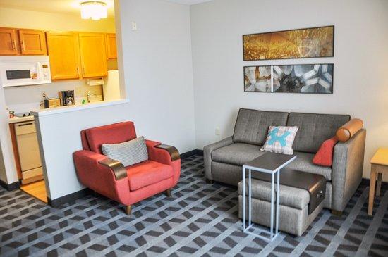 TownePlace Suites Albuquerque Airport Photo