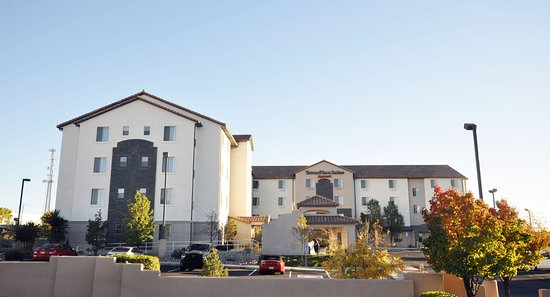 TownePlace Suites Albuquerque Airport : Front of Hotel
