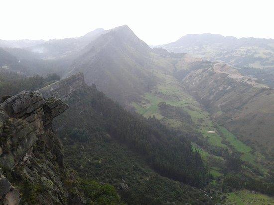 Sutatausa, Kolumbia: majestuosas piedras y montañas