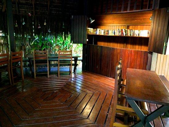 Pousada Santa Clara: The library!