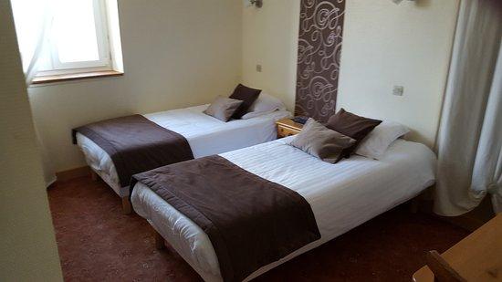 Marseillette, France : chambre N° 1 : 2 lits simples 1/2 personnes