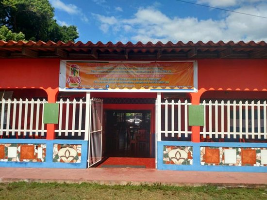 Poneloya, Nicaragua: Front view of new location
