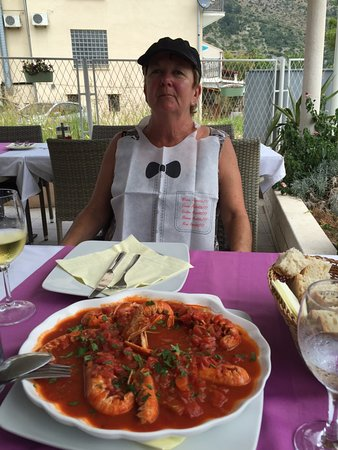 Zaton, Kroatien: Prawns in tomato sauce - yummy :-)