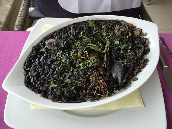 Zaton, Croatia: Amazing seafood black risotto