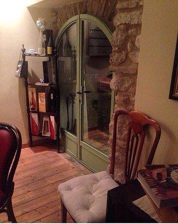 Stroncone, İtalya: Saletta interna - dettaglio
