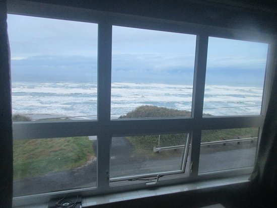 Waves of Newport Motel & Vacation Rentals: from third floor room