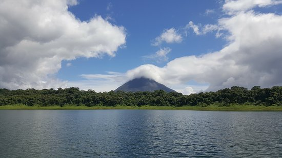 Nuevo Arenal, Costa Rica: Spectacular view of the volcano