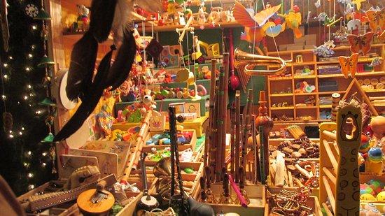 Kultur- und Weihnachtsmarkt Schloß Schönbrunn: Colourful items