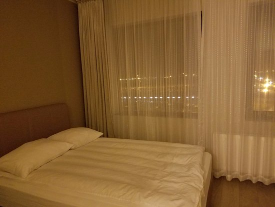 Airport Hotel Aurora Star The Bed Only Has A Comforter As Covering But It