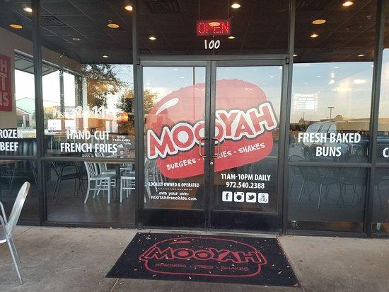 McKinney, Τέξας: MOOYAH Burgers, Fries & Shakes
