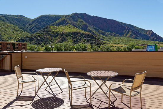 Glenwood Springs Inn: Rooftop Terrace