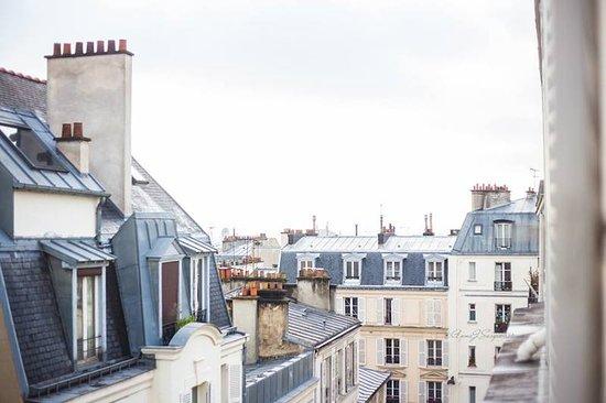Hotel Audran: Vista deliziosa dalla finestra del bagno