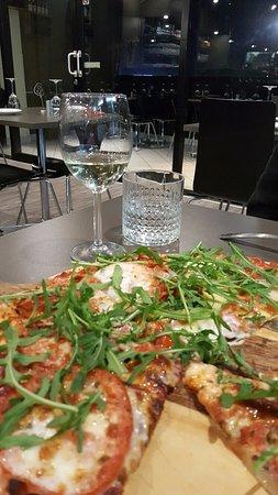 May's Pizzeria