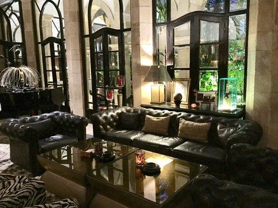 L'Heure Bleue Palais: En este salon se puede tomar una copa. En el invierno esta increíble con la chimenea prendida