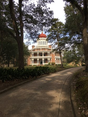 Natchez, MS: Such an amazing piece of history. A must see. Unfinished but could not imagine  what it would lo