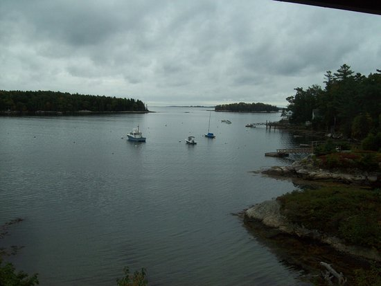 Ship Ahoy Motel: Sitting on private semi enclosed deck.............. what a view