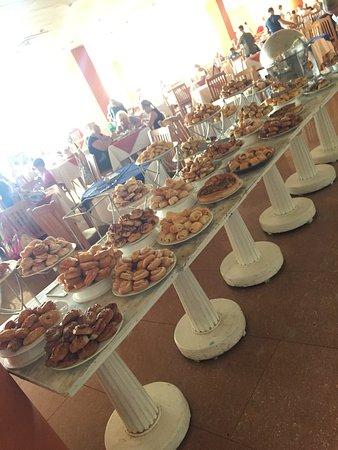 Tia Heights Makadi Bay Table With Sweets