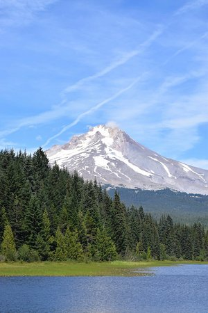 Timberline Lodge, OR: Beautiful Mount Hood from Trillium lake.