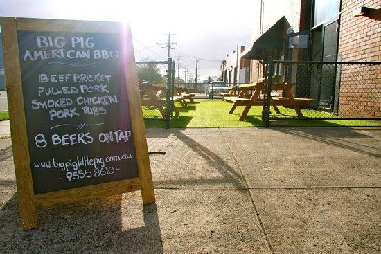 Moorabbin, Avustralya: Enjoy a beer in our sunny beer garden!