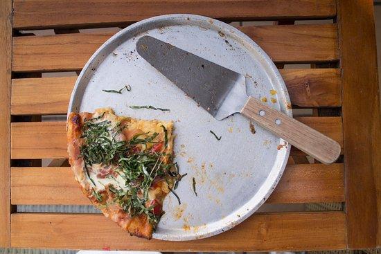 Karen`s pizza: Pizza Madrileña, una muy buena opción. Deliciosa
