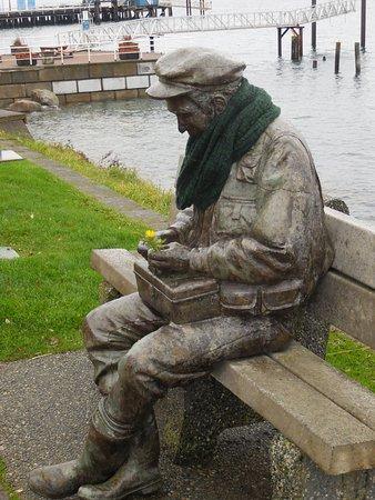 Sidney art figure