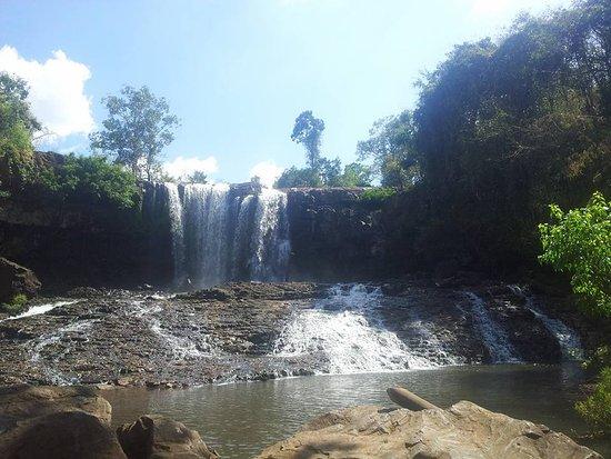 Sen Monorom, Cambodia: Borsra waterfall in mondulkiri
