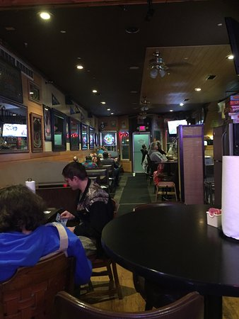 Buchanan, MI: Large menu, slow, but good
