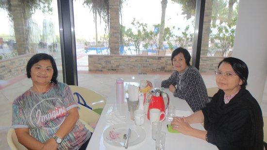 Park Inn by Radisson Abu Dhabi Yas Island: Breakfast