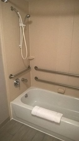 Independence, MO: Tub and Shower